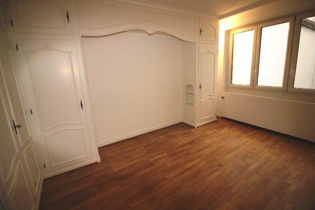 Appartement à louer 5 122.4m2 à Strasbourg vignette-9