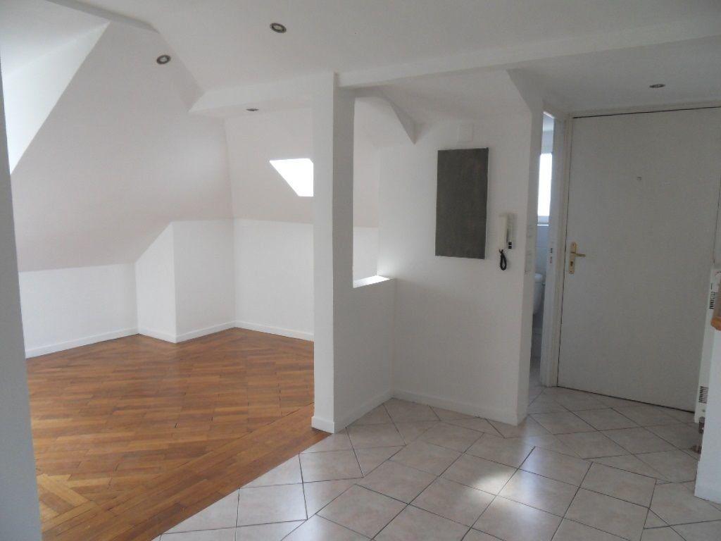 Appartement à louer 3 45.84m2 à Strasbourg vignette-1