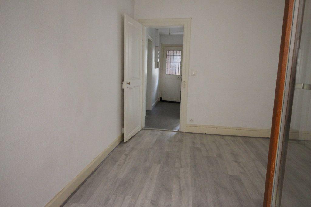 Appartement à louer 3 47.47m2 à Strasbourg vignette-6