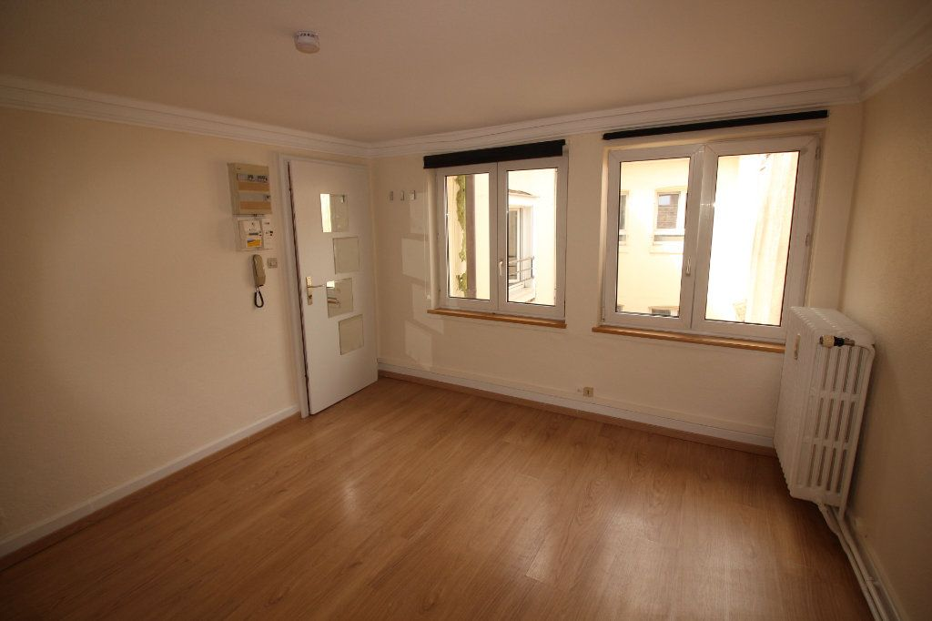 Appartement à louer 1 27.23m2 à Strasbourg vignette-1