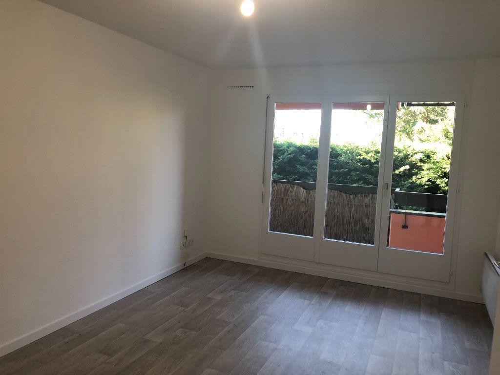 Appartement à louer 2 52.73m2 à Strasbourg vignette-2