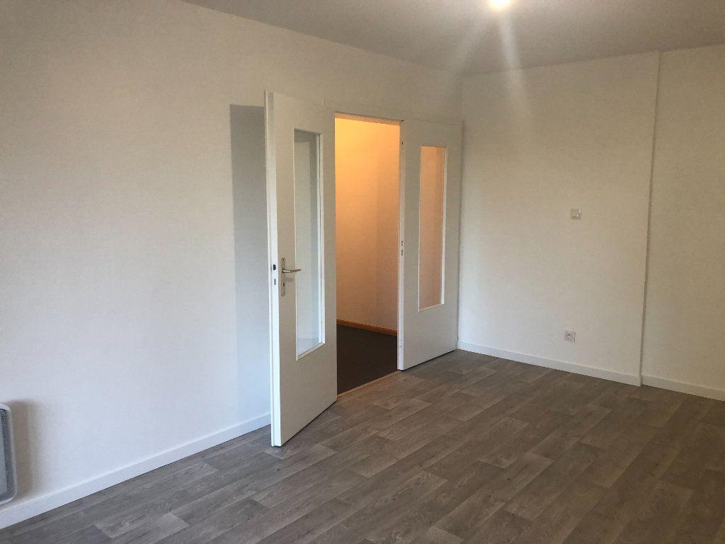 Appartement à louer 2 52.73m2 à Strasbourg vignette-3