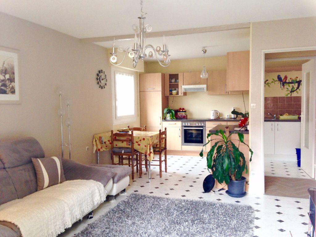 Appartement à louer 3 63.35m2 à Souffelweyersheim vignette-2