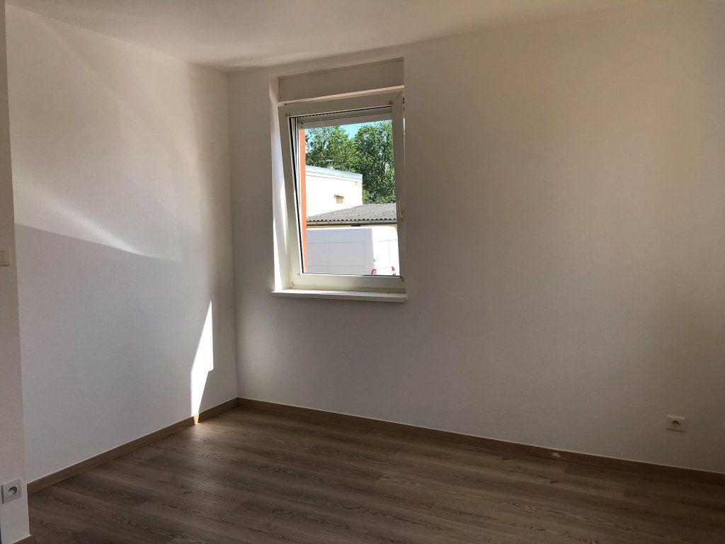 Appartement à louer 3 58.77m2 à Souffelweyersheim vignette-5