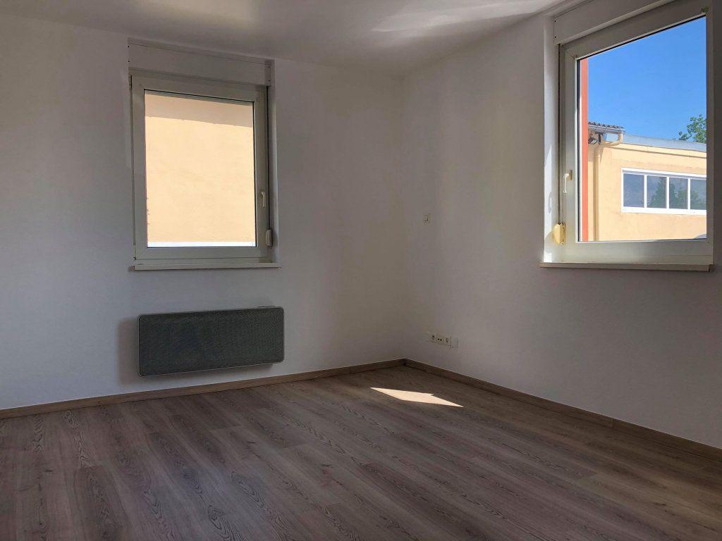 Appartement à louer 3 58.77m2 à Souffelweyersheim vignette-6