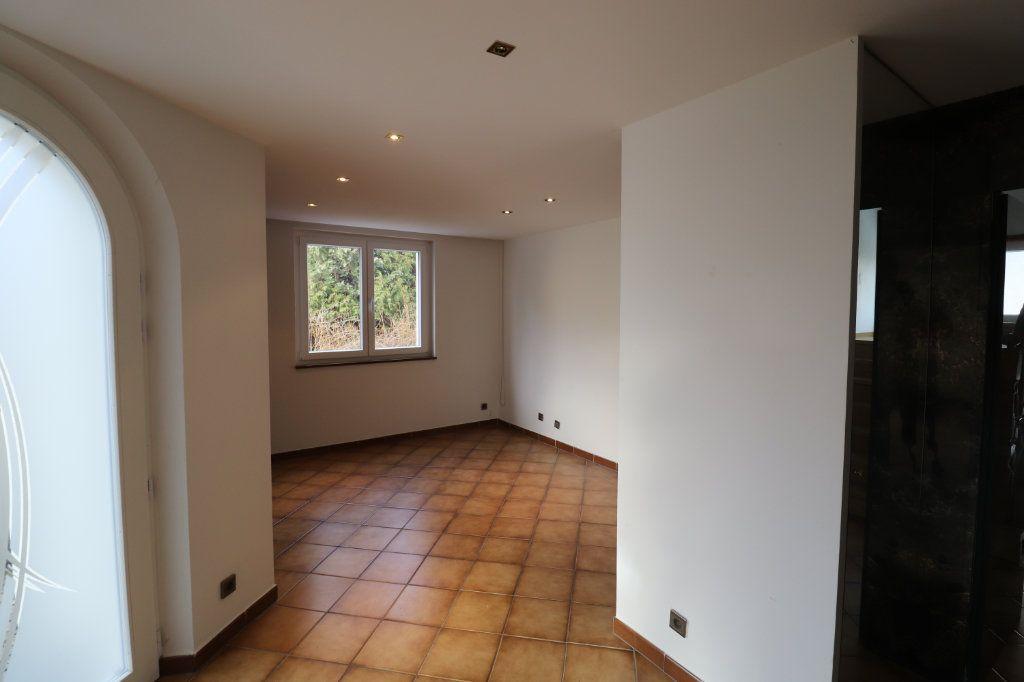 Maison à louer 6 170m2 à Weyersheim vignette-10