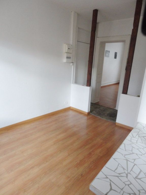 Appartement à louer 2 56m2 à Strasbourg vignette-2