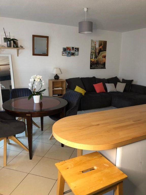 Appartement à louer 3 70.79m2 à Souffelweyersheim vignette-2