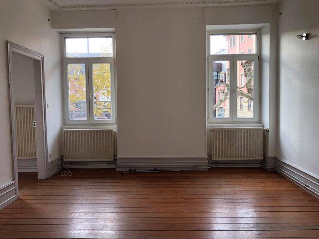 Appartement à louer 4 104m2 à Strasbourg vignette-1