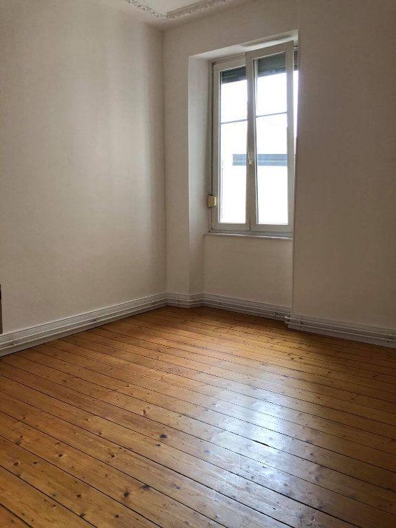Appartement à louer 4 104m2 à Strasbourg vignette-4