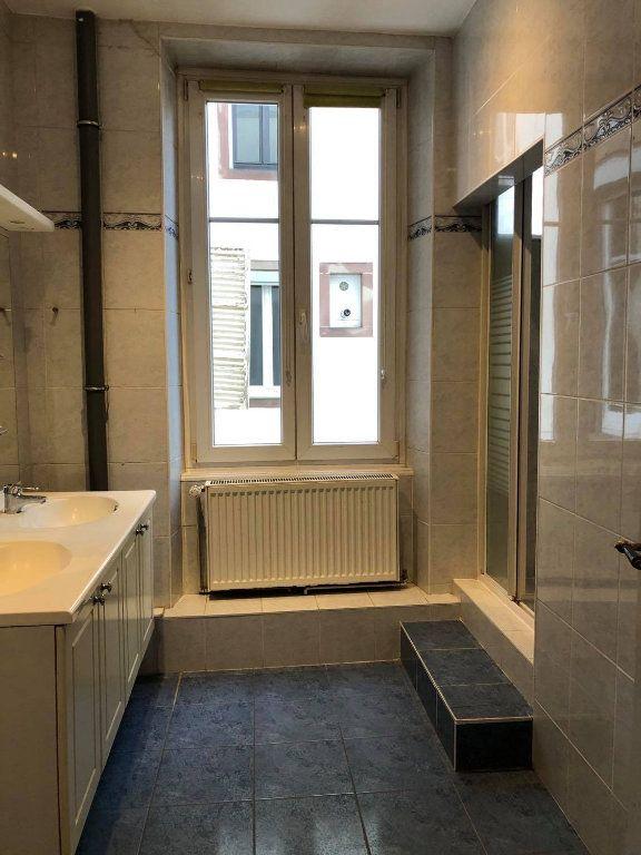 Appartement à louer 4 104m2 à Strasbourg vignette-5