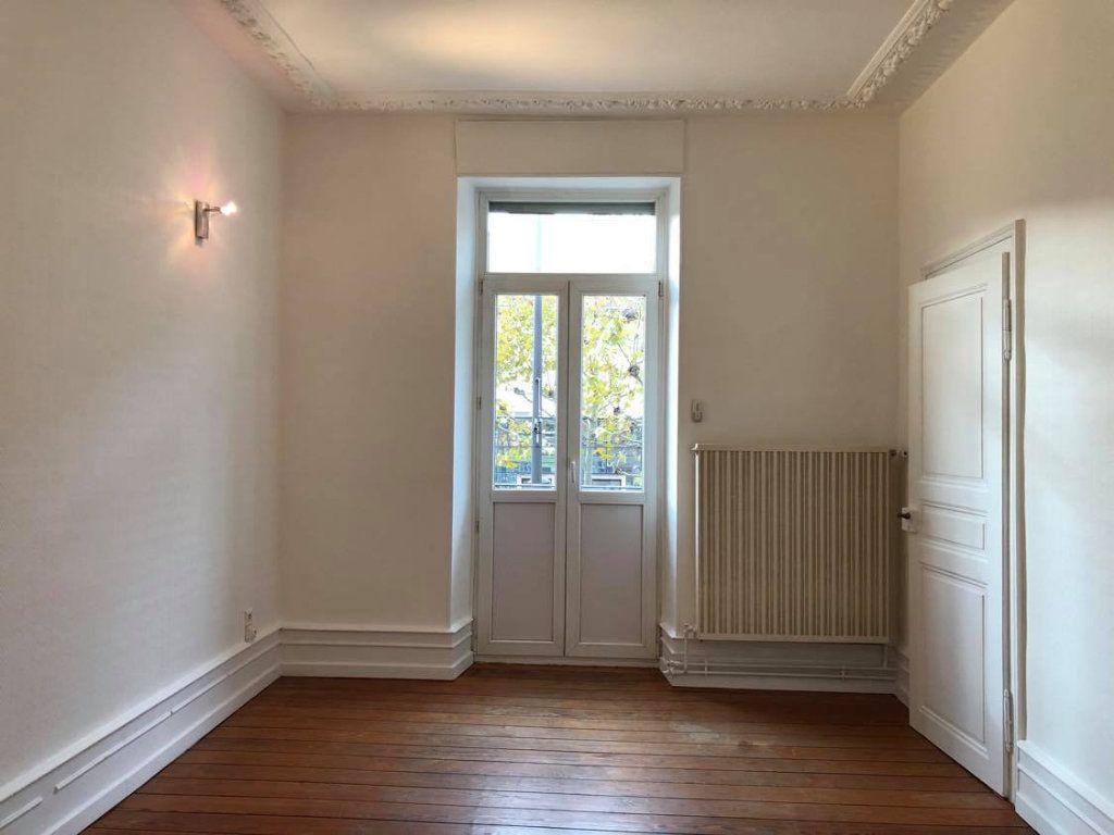 Appartement à louer 4 104m2 à Strasbourg vignette-7