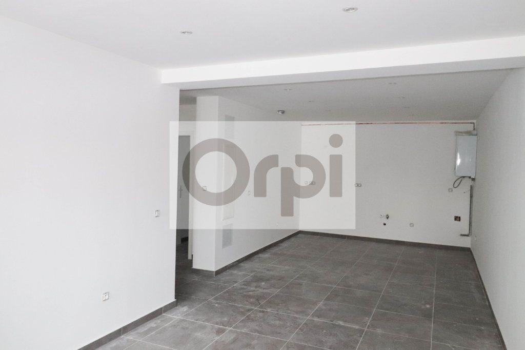 Appartement à vendre 3 67.76m2 à Reichstett vignette-2