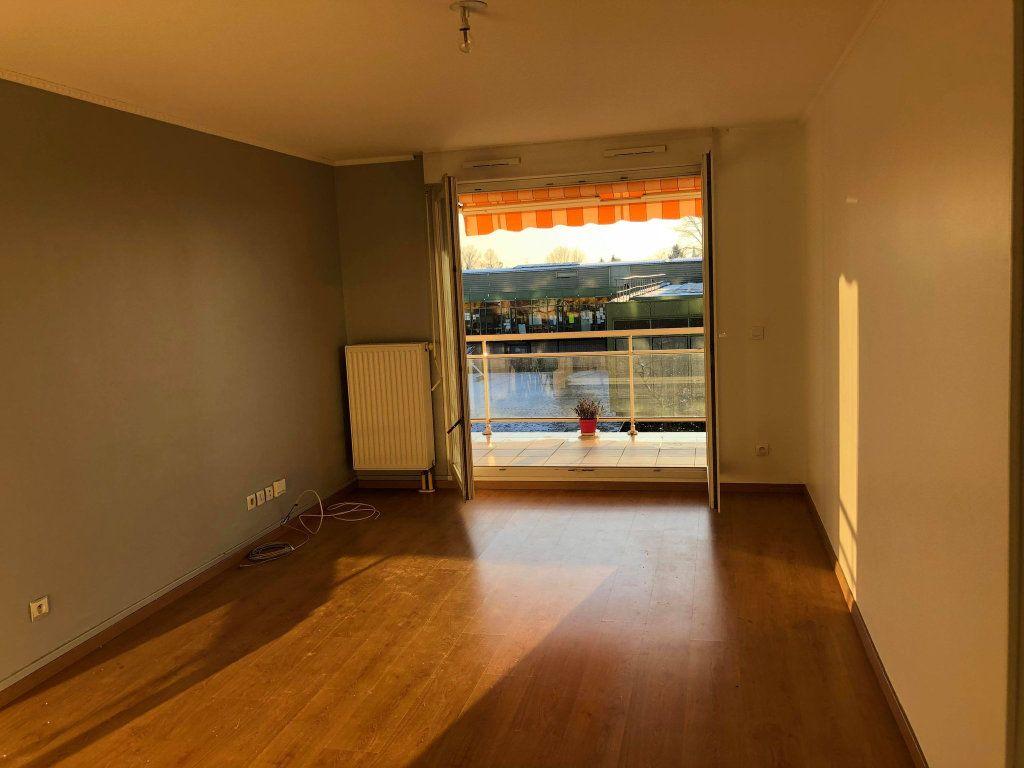 Appartement à louer 3 70.17m2 à Strasbourg vignette-1