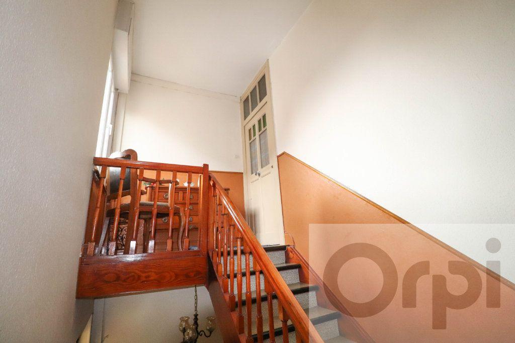 Maison à vendre 7 163.43m2 à Bischheim vignette-1