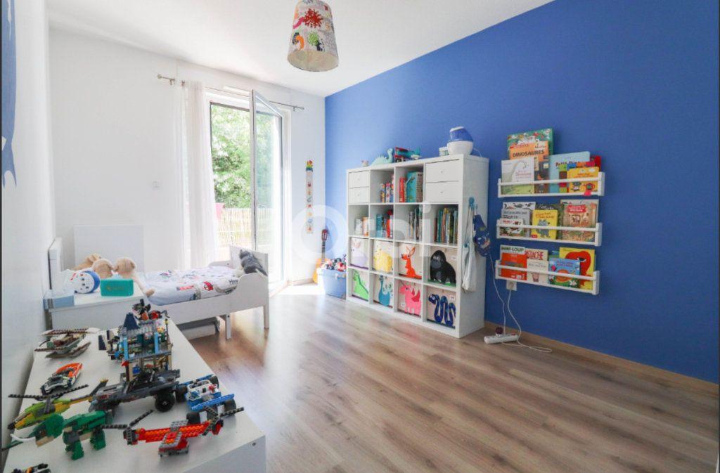 Appartement à louer 4 91m2 à Souffelweyersheim vignette-4