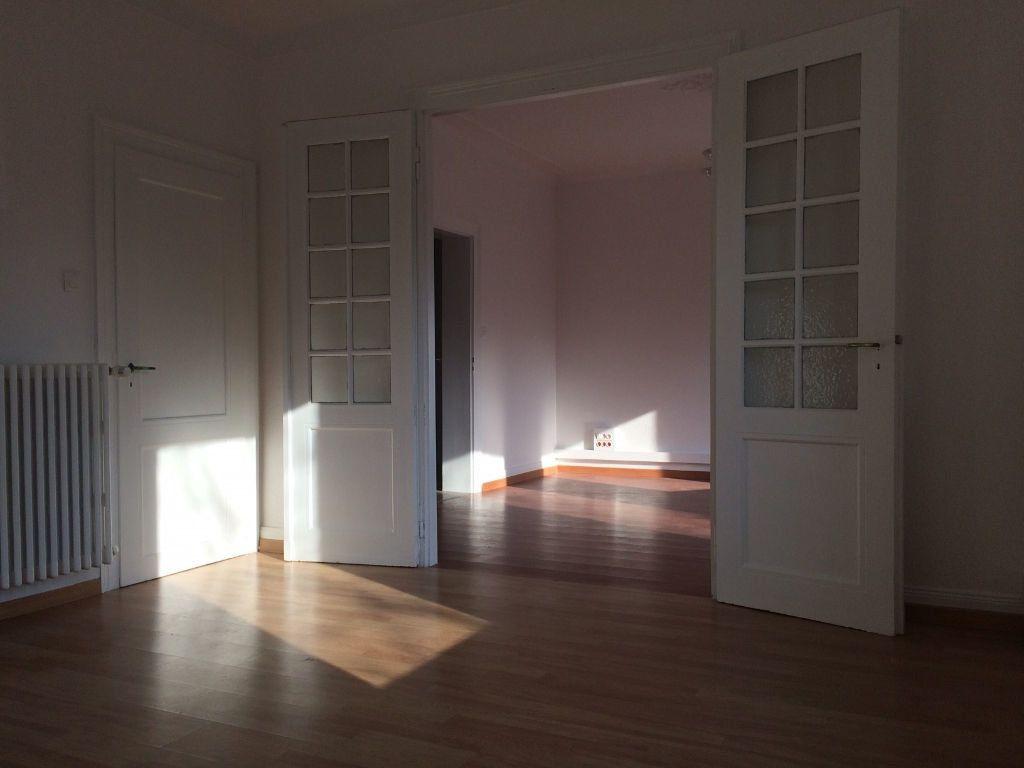 Appartement à louer 4 103.03m2 à Strasbourg vignette-2