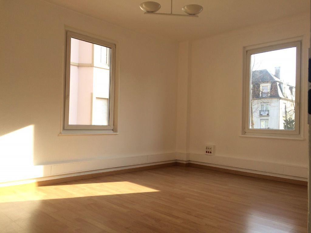 Appartement à louer 4 103.03m2 à Strasbourg vignette-4