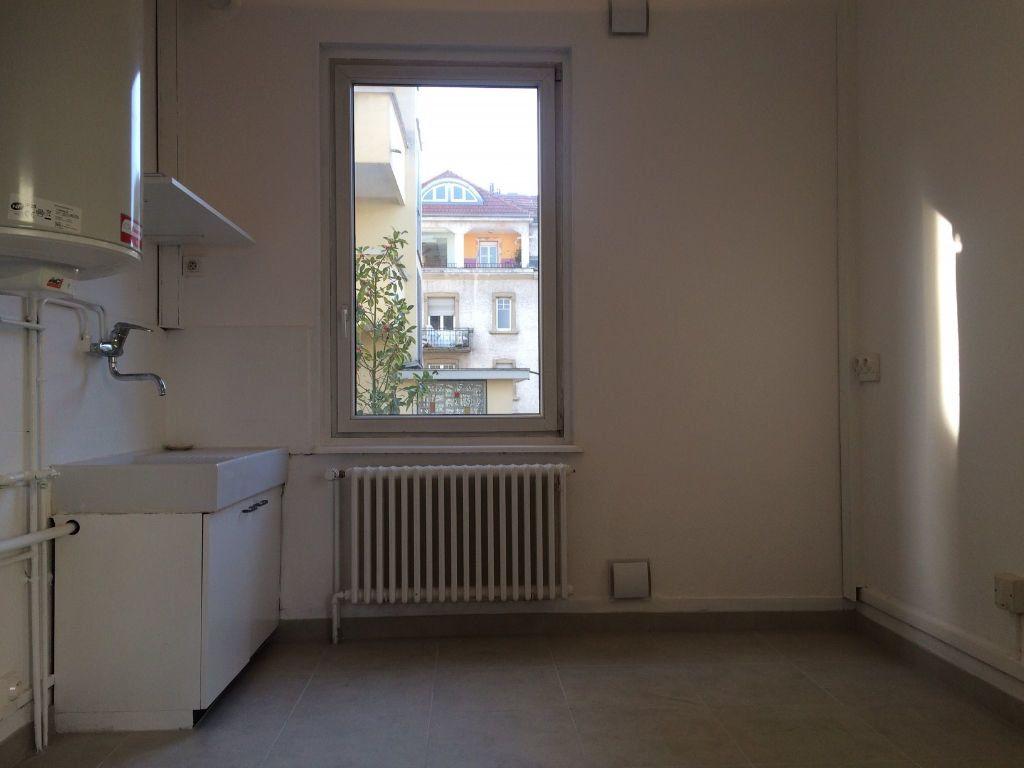 Appartement à louer 4 103.03m2 à Strasbourg vignette-6
