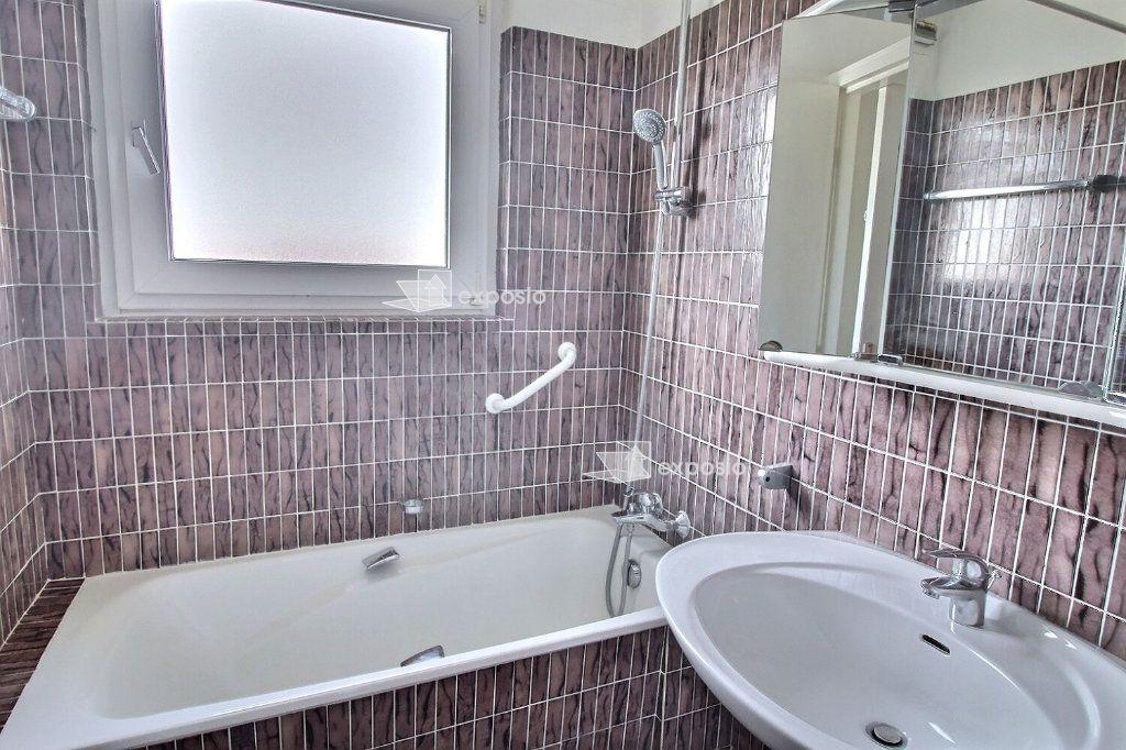 Appartement à louer 4 88.98m2 à Strasbourg vignette-4
