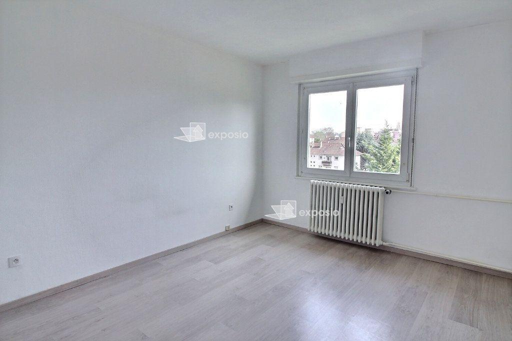 Appartement à louer 4 88.98m2 à Strasbourg vignette-6