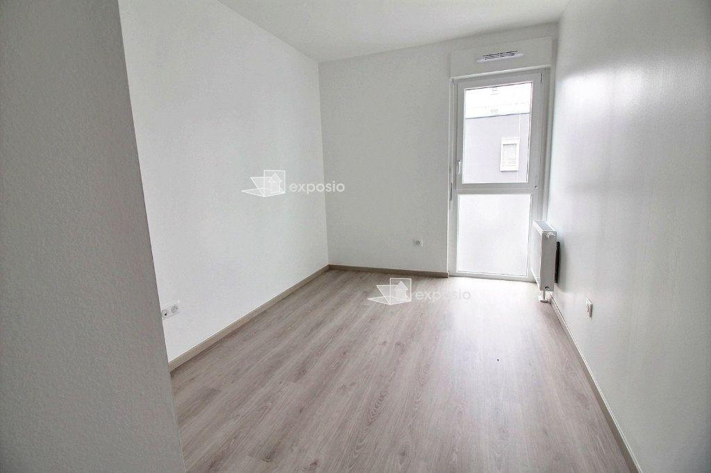 Appartement à louer 3 65.75m2 à Strasbourg vignette-8