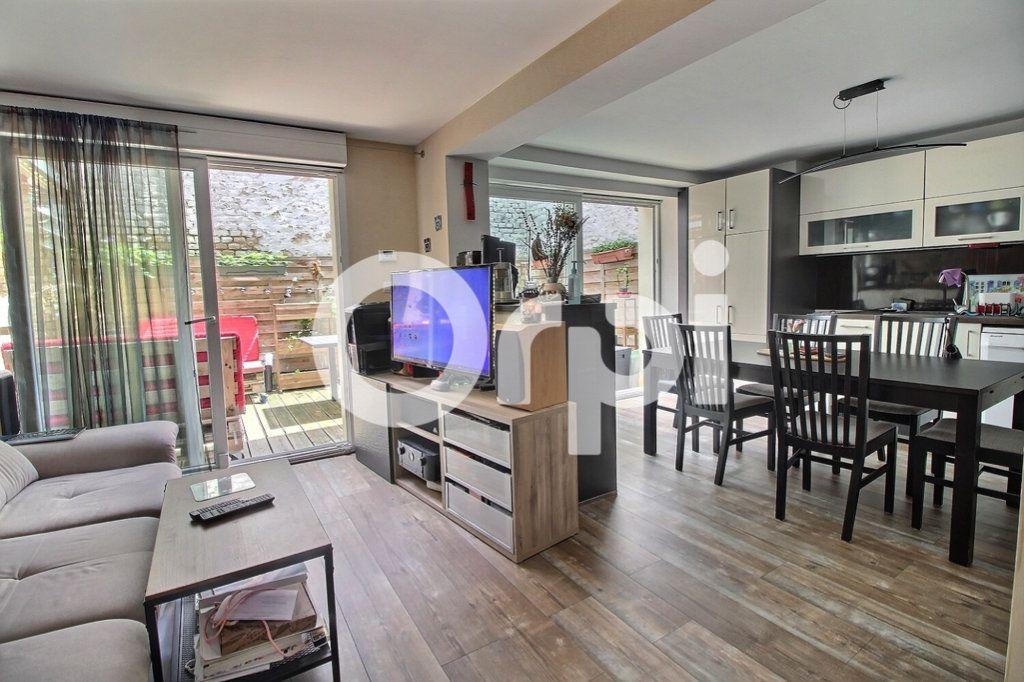 Appartement à vendre 4 75.8m2 à Strasbourg vignette-1