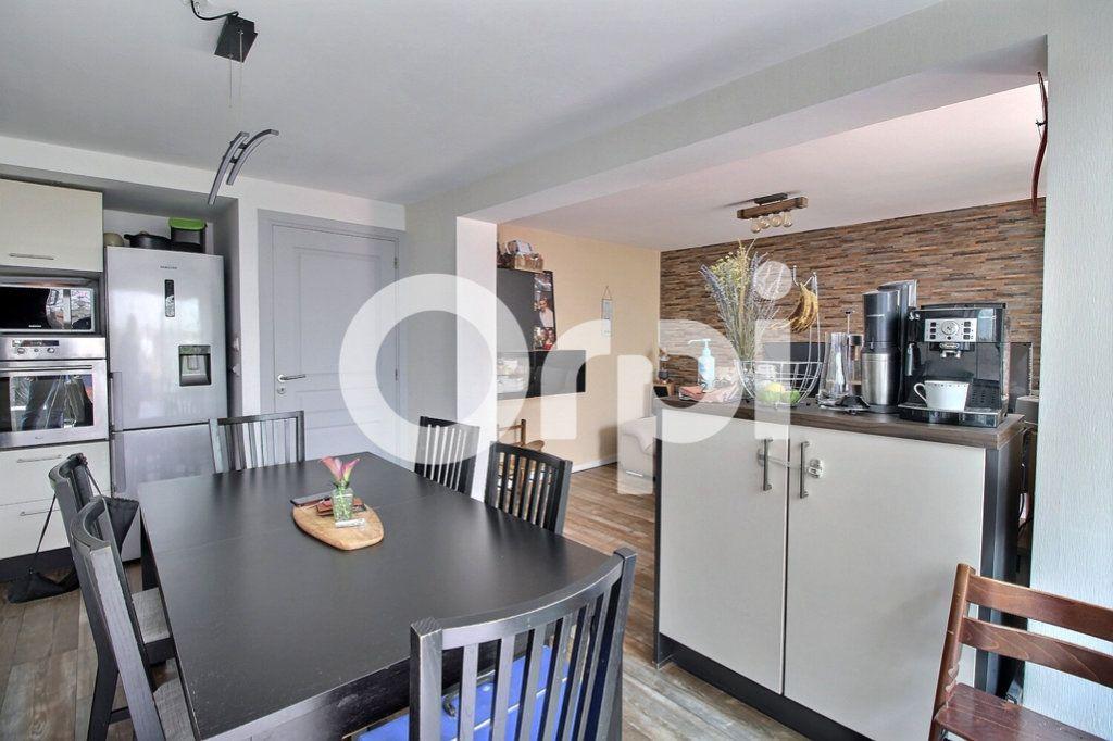 Appartement à vendre 4 75.8m2 à Strasbourg vignette-2