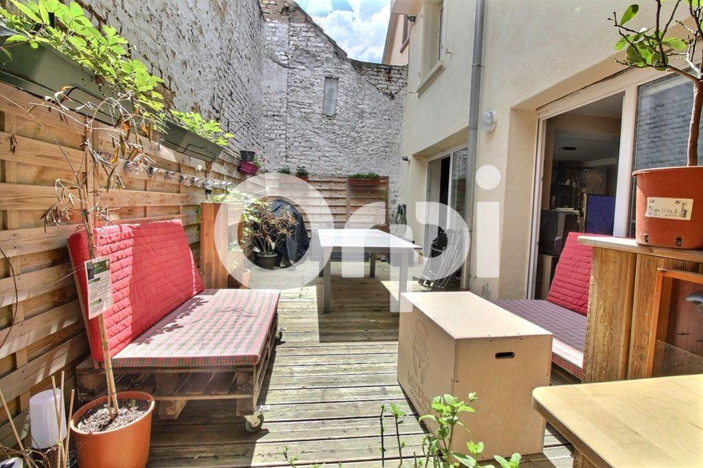 Appartement à vendre 4 75.8m2 à Strasbourg vignette-4