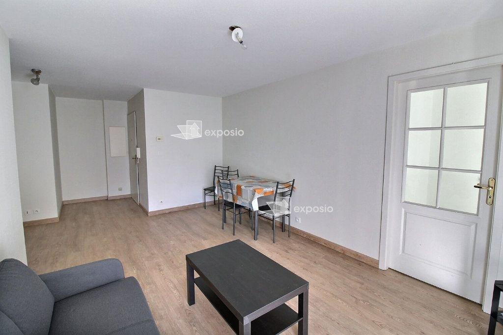 Appartement à louer 1 10m2 à Strasbourg vignette-3