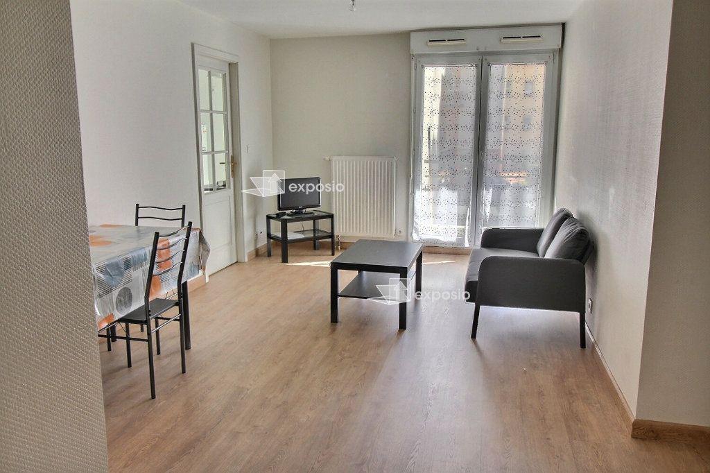 Appartement à louer 1 10m2 à Paris 9 vignette-3