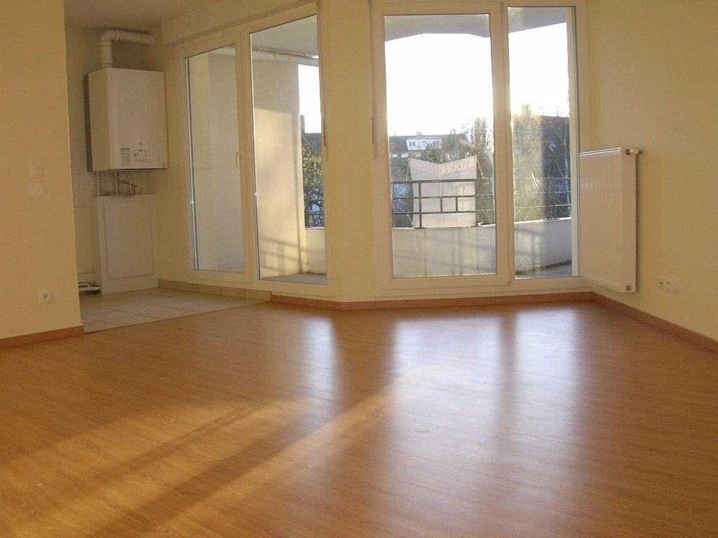 Appartement à louer 3 65m2 à Strasbourg vignette-2