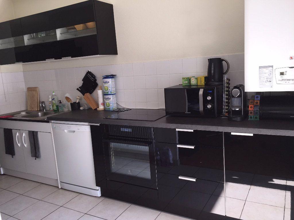 Appartement à louer 3 65m2 à Strasbourg vignette-4