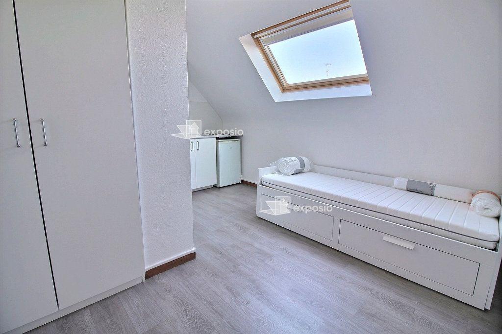 Appartement à louer 1 12m2 à Strasbourg vignette-1