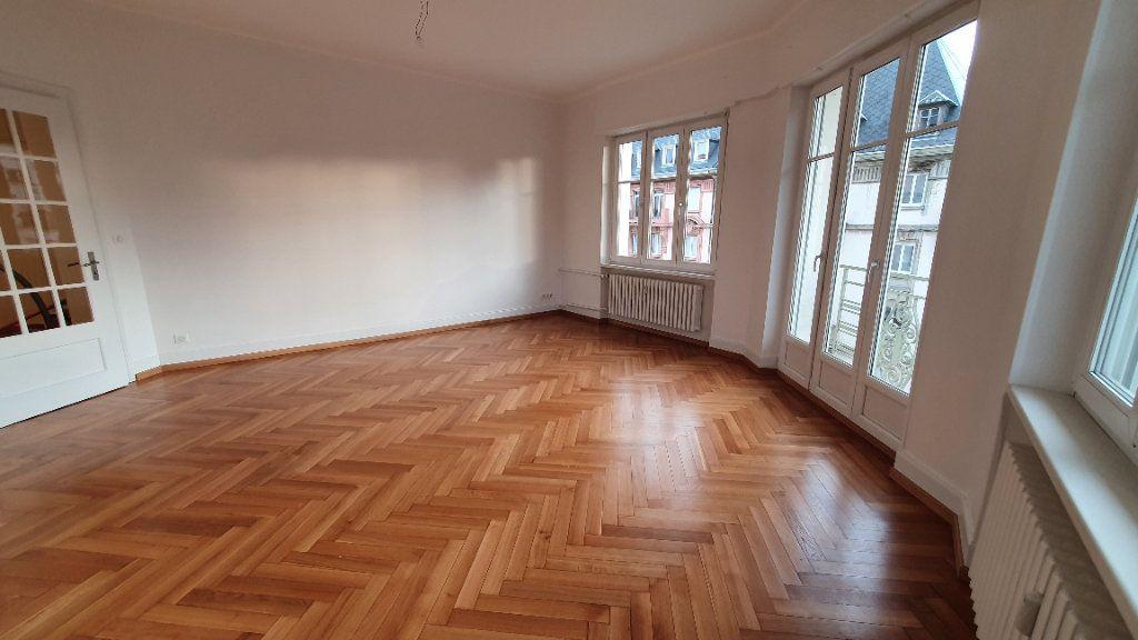 Appartement à louer 2 78.5m2 à Strasbourg vignette-2
