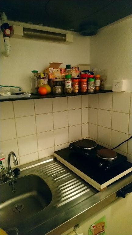 Appartement à louer 1 17m2 à Strasbourg vignette-8