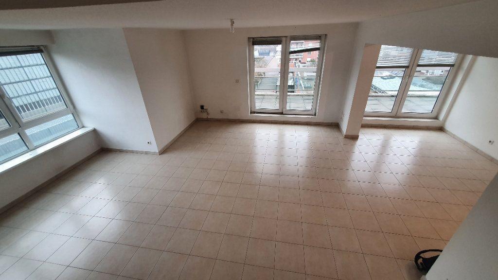 Appartement à louer 4 115.26m2 à Strasbourg vignette-2