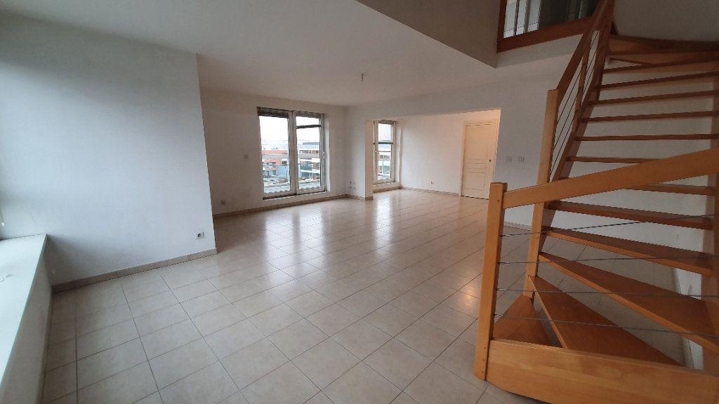 Appartement à louer 4 115.26m2 à Strasbourg vignette-3