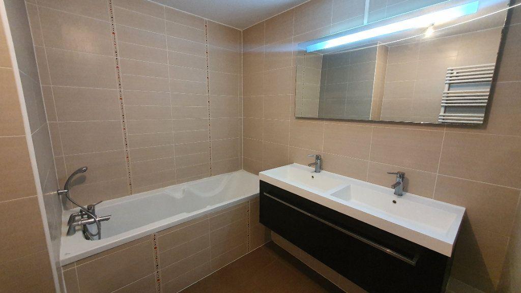 Appartement à louer 4 115.26m2 à Strasbourg vignette-8