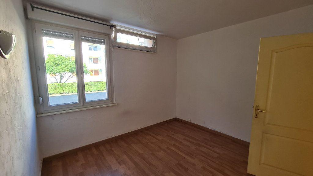 Appartement à louer 3 70m2 à Strasbourg vignette-3