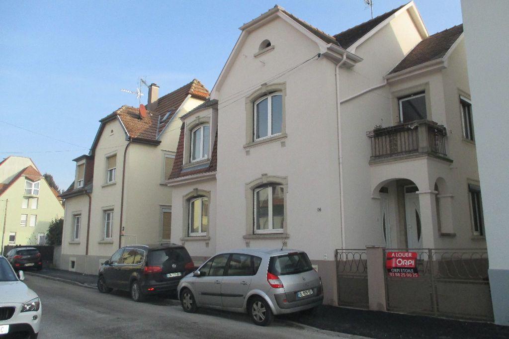 Appartement à louer 4 85.5m2 à Bischheim vignette-7