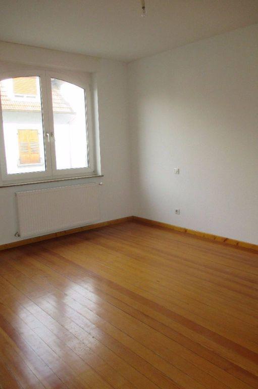 Appartement à louer 4 85.5m2 à Bischheim vignette-9