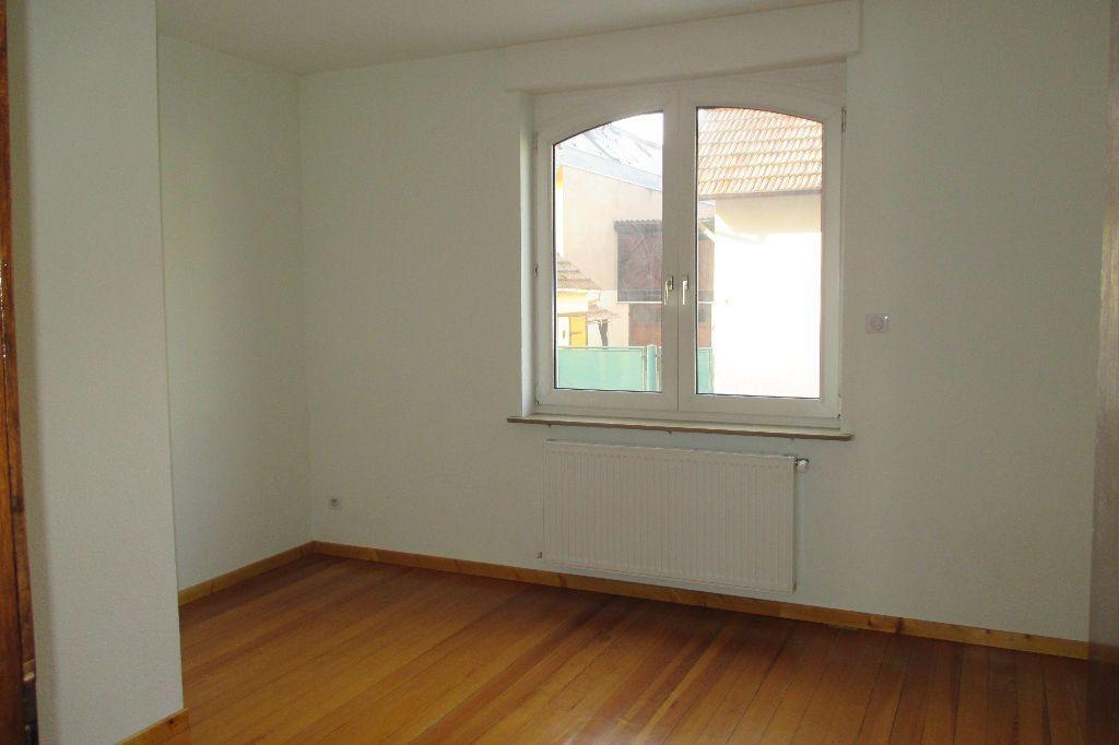 Appartement à louer 4 85.5m2 à Bischheim vignette-10