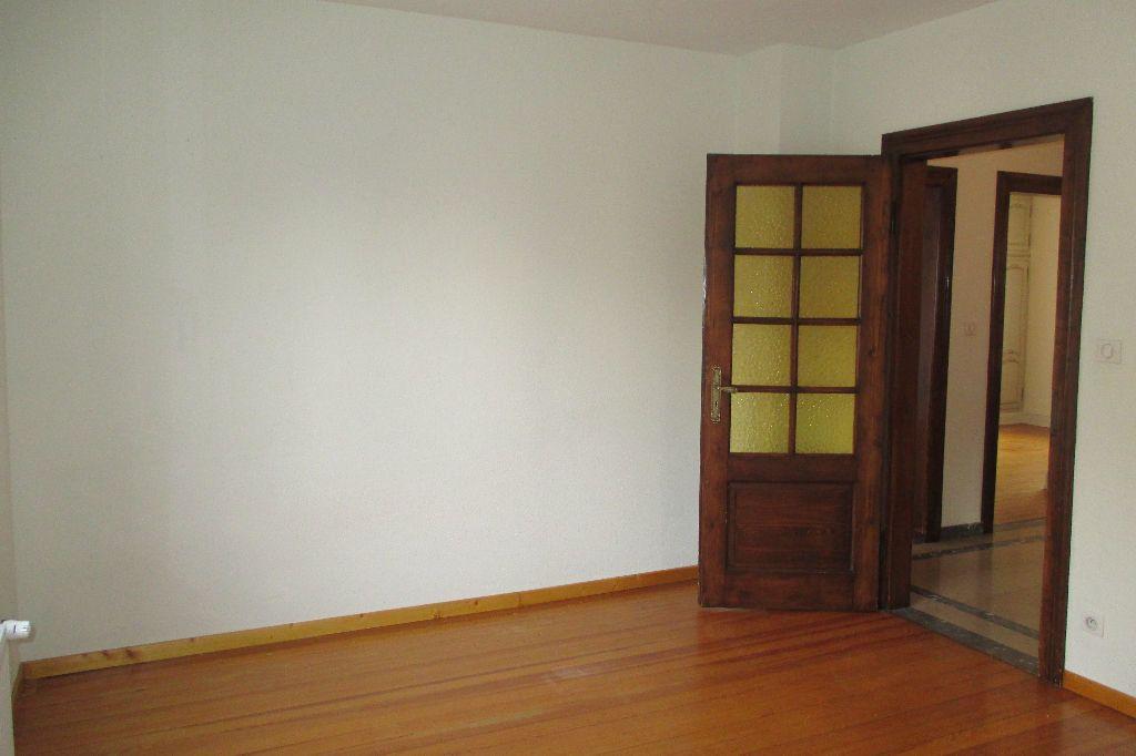 Appartement à louer 4 85.5m2 à Bischheim vignette-11