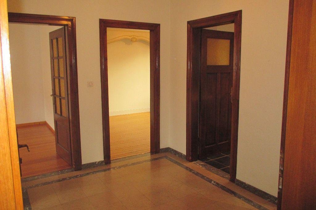 Appartement à louer 4 85.5m2 à Bischheim vignette-12