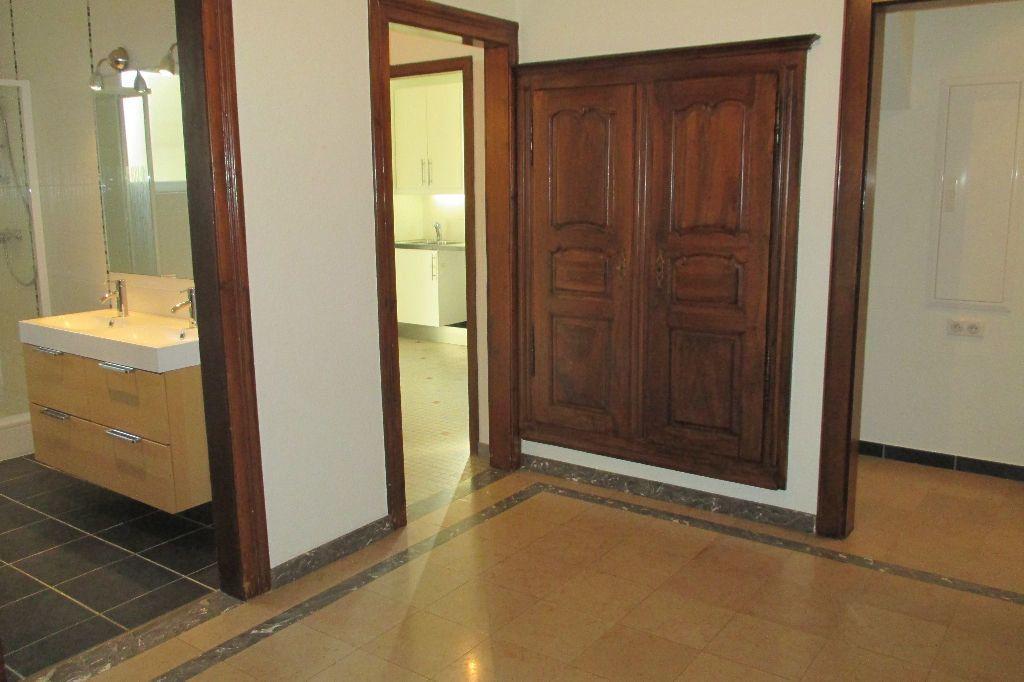 Appartement à louer 4 85.5m2 à Bischheim vignette-13