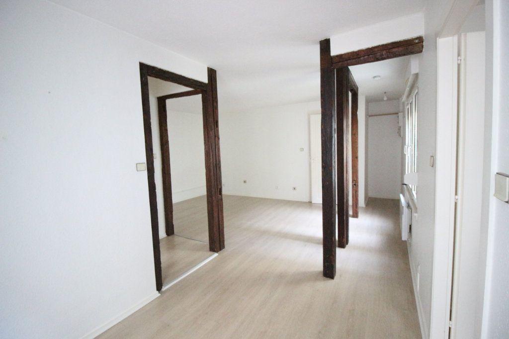 Appartement à louer 2 51.43m2 à Strasbourg vignette-1