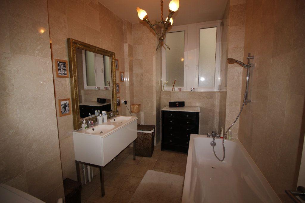 Appartement à louer 4 91.1m2 à Strasbourg vignette-6