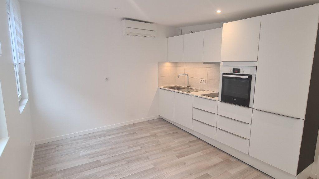 Appartement à louer 3 49.4m2 à Strasbourg vignette-1