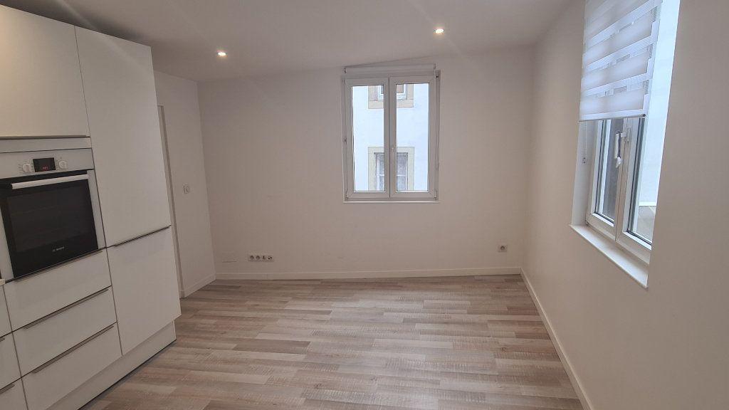 Appartement à louer 3 49.4m2 à Strasbourg vignette-2
